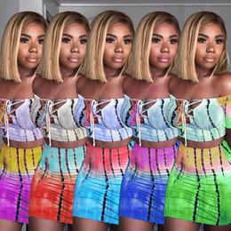 Tops strapless curtos on-line-Mulheres sem alças 2 peça dress tie dye impressão sexy fora do ombro curto top de manga curta skinny mini saias curtas roupas de verão LJJA2525