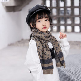 estola Rebajas Moda otoño invierno niños bufandas estampado de leopardo bufanda de los niños nuevo tejido de punto mantener caliente niñas bufandas niños bufanda niños usan A2216
