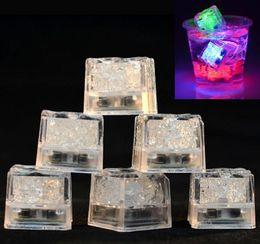 Canada LED Ice Cubes Bar Rapide Flash Flash Lent Changement Auto Cube En Cristal Cube Actif À L'eau Lumière-up 7 Couleur Pour La Décoration De Fête Romantique De Mariage De Noël Décoration Offre