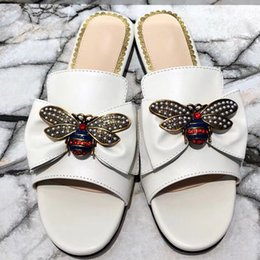 db3712248c Caliente venta-2018 primavera y verano nuevos zapatos de mujer áspero  europeo y americano con zapatillas de tacón bajo Baotou sandalias cómodas