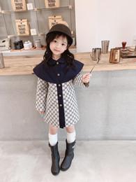 Roupas tench on-line-nova moda Tench Brasão Clothes menina do menino jaqueta à prova de vento britânica Abotoamento Windbreaker Turn-Down Collar roupa dos miúdos
