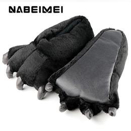 Hausschuhe tragen online-Frauen Hausschuhe Große Größe 39-46 Damen Hausschuhe Mode Totem Bär Cord solide synthetische lustige Frau Schuhe