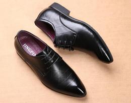 Canada Hommes chaussures habillées vérifier design modèle élégant hommes formelle chaussures en cuir designer classique costume chaussures pour mariage taille de la taille 39-46 Offre