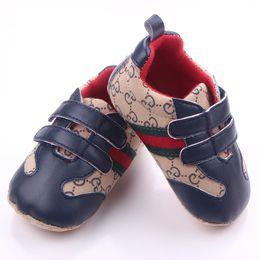2019 резиновая обувь Новорожденная детская обувь для мальчиков Детская дизайнерская обувь Детская дизайнерская обувь Мокасины Мягкие туфли для младенцев First Walker