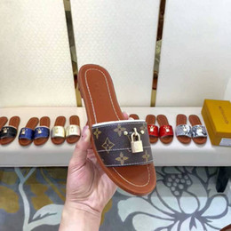 2019 Top Qualité Lettre D'impression Rivets LOCK IT MULE En Cuir Véritable Mode Femme chaussures de sport Chaussons Sandales 35-41 Avec Boîte ? partir de fabricateur