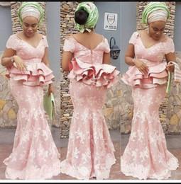 Blush prom nude sereia vestido on-line-Africano Blush Rosa Sereia Vestidos de Noite Com Peplum Lace Applique Lace Plus Size Prom Vestido Longo Formal Vestidos de Festa robes de soirée