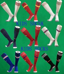 meias 19 20 Futebol Socks Real Madrid Joelho de Kid alta Stocking Cidade Thicken Toalha inferior do menino longos Mangueiras AJAX ARS lotação de futebol de