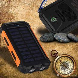 externa batterie Rabatt Wasserdichtes Solar-Energien-Bank 10000mah Solarladegerät Bateria Externa tragbare Ladegerät Powerbank mit LED-Licht Kompass