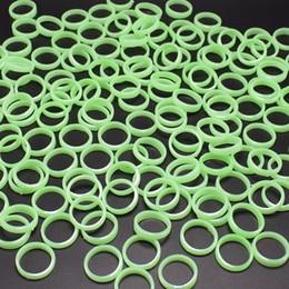 kazoo en plastique Promotion Veilleuses Anneaux 1.6cm diamètre intérieur couleur verte en plastique accessoire lumineux Performance enfants fête Holloween accessoires de Pâques jouets pas chers