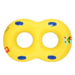 großhandel aufblasbaren schwimmring Rabatt Neuer gelber doppelter Schwimmen-Ring-Mutter-Baby-Paar-doppelter Schwimmen-Ring aufblasbares PVC-Schwimmen-Pool-Hin- und Herbewegungs-Spielzeug-Großverkauf