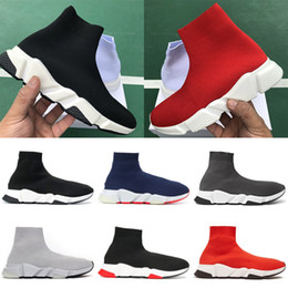 Zapatos casuales de calidad online-BALENCIAGA Cheap Platform Speed Trainer Mujeres Calcetines Zapatos Negro Blanco Rojo Hombres Mujeres Zapatillas de diseñador de lujo de moda de alta calidad Zapatos casuales