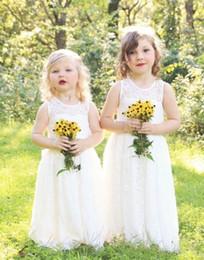 landspitze blumenmädchenkleider Rabatt Nette volle Spitze-Land-Blumen-Mädchen-Kleider für Hochzeiten Neues Boho Art- und Weisebaby-Kommunion-Kleid eine Linie scherzt formelle Abnutzung