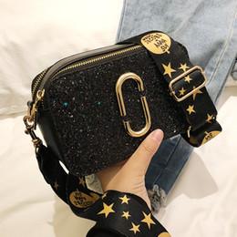 3922e6e9a 2019 Moda de Nueva Señoras de Lentejuelas bolso cuadrado de Alta calidad de  Cuero de LA PU Diseñador de Las Mujeres de Lujo Bolso Negro Hombro  Messenger bag