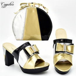 scarpe da sera in argento Sconti Nero eccellente con design oro e argento. Scarpe con tacco alto africano e set di borse per la sera 526-2, altezza del tacco