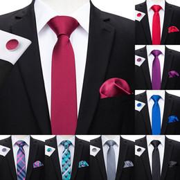 2019 gravata de seda de 6 cm Oi-Tie 6 cm de Slim Tie Seda Sólida Tecido Vermelho Azul Cor Lisa Gravata Hanky Cufflinks Set Casamento dos homens Festa Narrow Skinny Neck Tie desconto gravata de seda de 6 cm