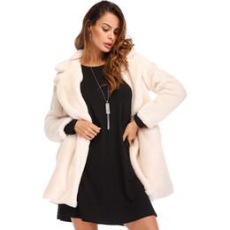 cappotto di pelliccia nera Sconti Elegante cappotto di pelliccia sintetica donna 2018 autunno inverno caldo cappotto di pelliccia morbida femminile cappotto di peluche casual tuta sportiva 4XL nero bianco rosso