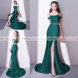 Baratos vestidos de fiesta verde esmeralda online-Sexy Emerald Green Satin Vestidos de noche de dos piezas Sirena 2019 Vestidos de fiesta formales simples Sweep Train High Side Split Vestido de fiesta Largo Barato