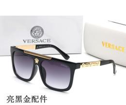 2019 gafas de sol deportivas naranjas 2019 gafas de sol de diseñador Gafas de sol de bisagra de metal de alta calidad Hombres Gafas Mujeres Gafas de sol Lentes UV400 Unisex con estuches originales y 2387