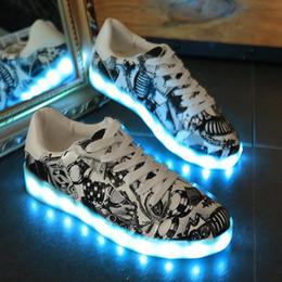 Fibra ottica nozze online-Scarpe Led USB ricaricabili incandescente Sneakers Fibra ottica scarpe bianche per uomo donna festa wedding designer
