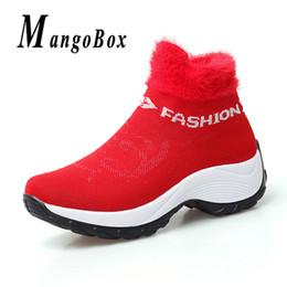 top meias peles Desconto Alta Top Mulheres Jogging Sapatos de Caminhada de Inverno Pele Quente Mulheres Esportes Meia Tamanho Grande Athletic Ladies Shoe Light Feminino Ginásio Sneakers