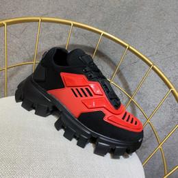 Cordones de zapatos gruesos online-H827 2019 Zapatos de diseñador de lujo para hombre Zapatos deportivos para hombres y mujeres Zapatos de gimnasia con estrella de Europa y América con cordones de suela gruesa