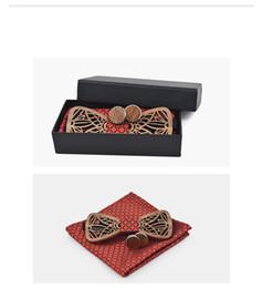 Chegada nova Adjustbale Conjunto De Laço De Madeira Artesanal E Lenço Geométrico Bowtie Cachecol Cufflink Box Set Presentes de Natal Para Homens de