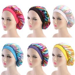 Chemo beanie online-Muslimische Frauen Breite Stretch Silk Satin Atmungsaktives Bandana Schlaf Turban Hut headwrap Bonnet chemo cap Haarschmuck