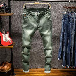 Diseñador de moda flaco hombres recto azul marino de color caqui impreso para hombre Biker Denim Jeans Casual pantalones de estiramiento masculino pantalón C19042001 desde fabricantes