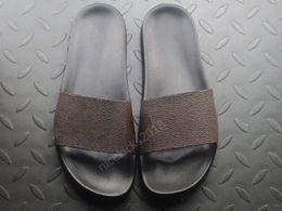 2019 braune sandalen Braun Luxus Designer Herren Damen Sommer Sandalen Strand Rutsche Wasser Hausschuhe Damen Sandali Firmati Da Donna Schuhe Classic Print Blume günstig braune sandalen