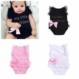 Mono rosa de una pieza online-INS venta caliente recién nacido del bebé del cordón de los mamelucos letras bebés lindos de una sola pieza blanco negro rosado infantil monos niño