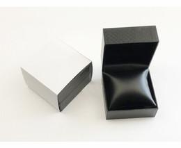 Relojes Cajas de madera de regalo Negro Rojo Relojes de madera Caja Relojes para hombres Caja de cuero desde fabricantes