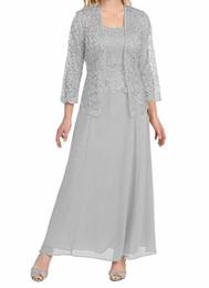 Вечернее платье серебристого невесты онлайн-Серебристо-серый 2019 Платье для мамы невесты с курткой Простые дешевые свадебные платья для гостей Наряды до щиколотки вечерние платья