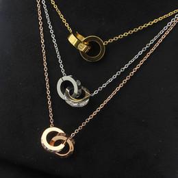 doppelring anhänger halskette Rabatt 2019 großhandel Vergoldet Doppel Ringe Anhänger Halskette Halsreif 316L Edelstahl Zwei Kreis Ringe Halskette Schmuck Für Frauen