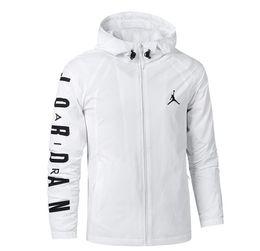 мужские спортивные кожаные куртки Скидка Европейская и американская модная куртка мужская тонкая спортивная кожа MQD82-939969 черно-белая S-3XL