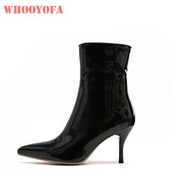 2019 botas de tacón de aguja medio negro Caliente 2019 atractiva a estrenar Negro rojo de las mujeres media pantorrilla botas de vestir Vogue talones de estilete de señora Shoes K395 Plus tamaño grande 12 43 45 47 botas de tacón de aguja medio negro baratos