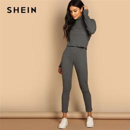 Leggings grises de punto online-SHEIN Cuello alto en gris Rib-knit Hombro Top corto y leggings Conjuntos de dos piezas Mujer Primavera Casual Streetwear Conjunto de dos piezas