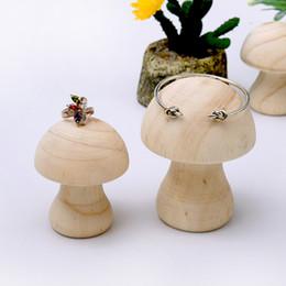 Cogumelos de madeira on-line-[DDisplay] Criativo Cogumelo Forma Pulseira Titular Display Personalizado Pulseira Em Pé Titular Anéis De Madeira Jóias Display