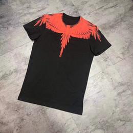 2019 Llegada de los hombres de moda de verano de manga corta alas rojas  Imprimir camiseta cuello redondo Slim Fit ropa 4d360810a49