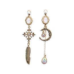 Luna orecchino online-Nuove donne coreane della lega della lega Orecchini di goccia Vintage Moon Crystal Pendientes Moda semplice Sweety ragazza gioielli accessori