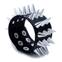 2020 punk spitzen schuhe Einzigartige spitze dreireihige Spike-Schuhe nieten breites Armband Leder Punk Rock Gothic Unisex Armband Herrenschmuck PGSL2-0167 rabatt punk spitzen schuhe