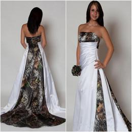 Robes de mariée en satin de taille empire en Ligne-2019 nouvelles robes de mariée robe bustier camo avec plis taille empire une ligne balayage train realtree robes de camouflage
