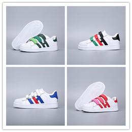 63727cc65 2019 Adidas Superstar Kids Super Star Holograma blanco Iridiscente Junior  Superstars 80s Pride Niño Niños Niñas Entrenadores Superstar Zapatos  casuales ...