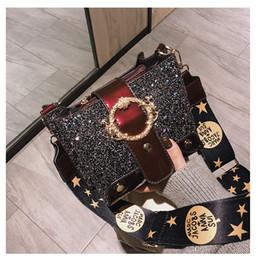 Borse per la porcellana online-Porcellana Borse di nastri di paillettes di marca borse famoso femminile del corpo del progettista delle signore della borsa trasversale Tuomei wanggong / 12