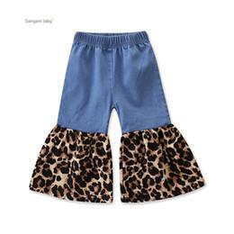 Ins sıcak satış çocuklar pantolon ilkbahar sonbahar bebek kız şerit pantolon leopar baskı jean iki renk nereden bol kot pantolon tedarikçiler