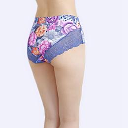 Bikini dimensioni xs online-Nuovi slip da donna Intimo donna più taglia 6XL Big size Sexy Lingerie di pizzo di lusso di fascia alta Fiori vuoti Mutandine da donna