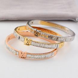 2019 i migliori modelli in oro dei braccialetti Bracciale placcato in acciaio al titanio moda 18K per bracciali stile classico per bracciali da fidanzato con strass da uomo