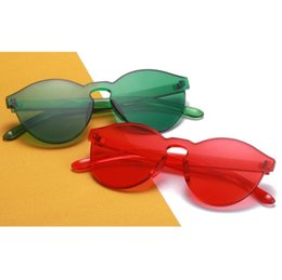 2019 occhiali da sole sottili Gli occhiali da sole classici dei bambini gli occhiali da sole europei ed americani di modo degli occhiali da sole sottili della caramella 8 di stile sottile di trasporto libero sconti occhiali da sole sottili
