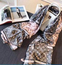 2019 capuz de peles Em 2018, o lenço de seda das mulheres novas será vendido, e o lenço original do pássaro da flor do desenhista 90-180cm