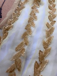 assetto cinghia in rilievo Sconti 1 Pz 1,7 Metro Beaded Trim Oro Beaded Leaf Applique Wedding Sash Trim per Bridesmaid sash cintura da sposa Accessori