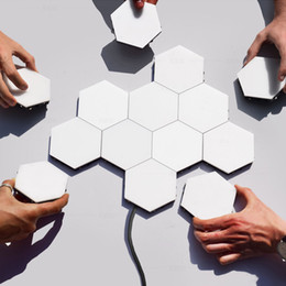lampada a nido d'ape Sconti British Creative Honeycomb Assembly modulari Helios Touch Applique Lampada quantistica Lampada da parete a LED a parete magnetica